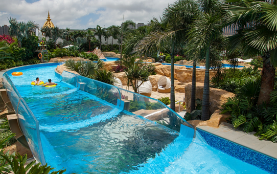 10 Incredible Pools Around the World