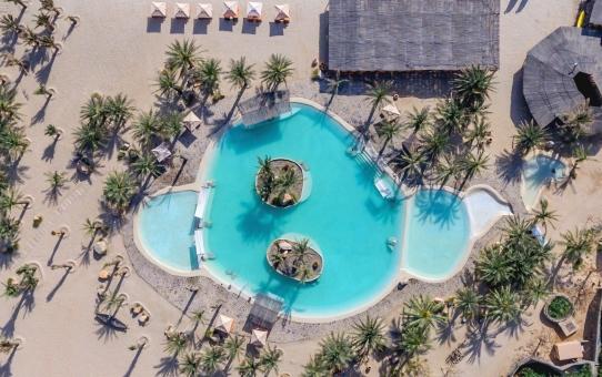 Oman Luxury Resort Boosts Eco-Experience
